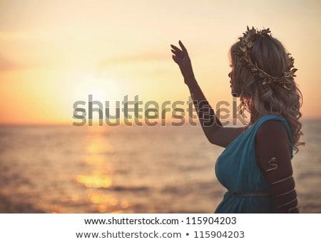 Abdomen mujer verano mar puesta de sol deporte Foto stock © ElenaBatkova