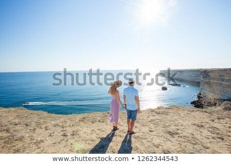 Jonge toeristische meisje jurk landschap top Stockfoto © ElenaBatkova