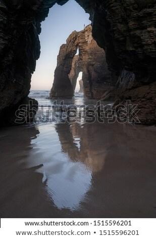природного · эрозия · дыра · рок · пляж · воды - Сток-фото © vwalakte