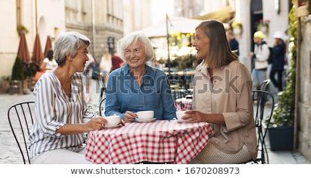Idős nő iszik kávé nyár város Stock fotó © dolgachov