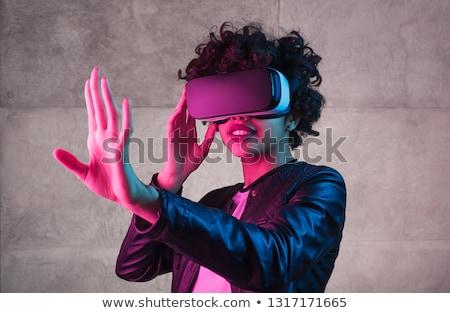 Menina adolescente virtual realidade fone óculos tecnologia Foto stock © dolgachov