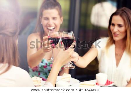 kettő · gyönyörű · nők · vörösbor · iszik · bor - stock fotó © aremafoto
