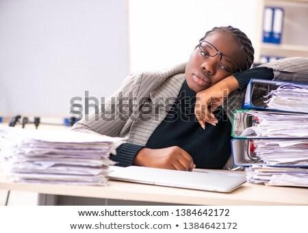 Zwarte vrouwelijke werknemer ongelukkig werk vrouw Stockfoto © Elnur