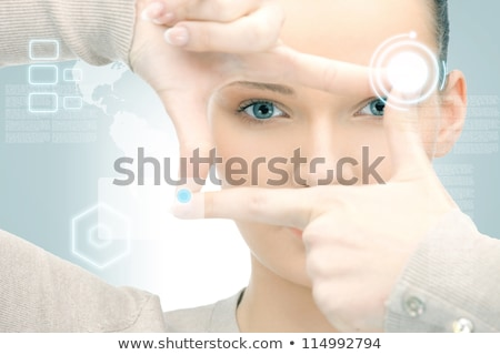 vrouw · frame · vingers · foto · handen · portret - stockfoto © dolgachov