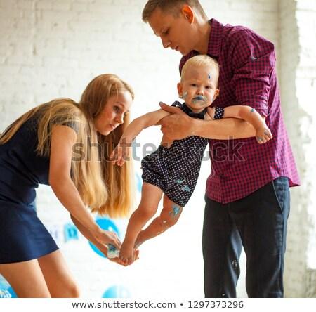 szülők · törlés · fiú · foltos · torta · egyéves - stock fotó © Stasia04