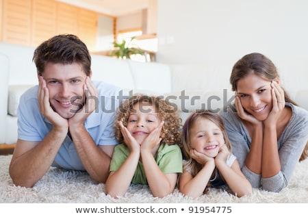 Brat siostra piętrze bawialnia rodziców sofa Zdjęcia stock © wavebreak_media