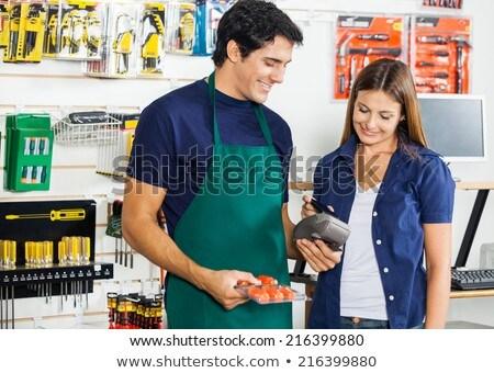 Femenino trabajador pago imagen cliente mujer Foto stock © wavebreak_media