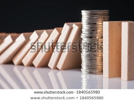 Stoppen voorzichtigheid munten Rood tonen Stockfoto © AndreyPopov