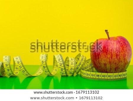 Maçã medição fita branco terreno comida Foto stock © experimental