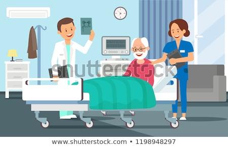 Oude man ziekenhuis vrouwelijke arts cartoon Stockfoto © Decorwithme