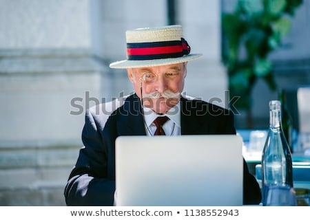 Idoso cavalheiro trabalhando ao ar livre laptop verão Foto stock © photography33