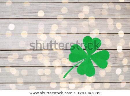 Yeşil kâğıt yonca ışıklar Stok fotoğraf © dolgachov