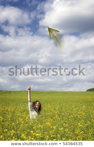 Mulher campo papel avião sorrindo Foto stock © lichtmeister