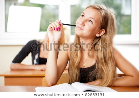 portret · jonge · groep · studenten · betalen · aandacht - stockfoto © HASLOO