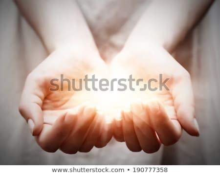 女性 · 提供すること · 腕 · アップ · 魅力的な · 成熟した女性 - ストックフォト © roboriginal