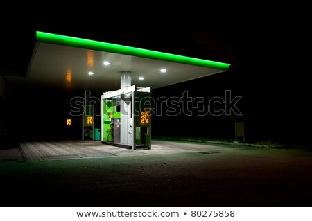 Zdjęcia stock: Nowoczesne · stacja · benzynowa · noc · stylizowany · autostrady · działalności