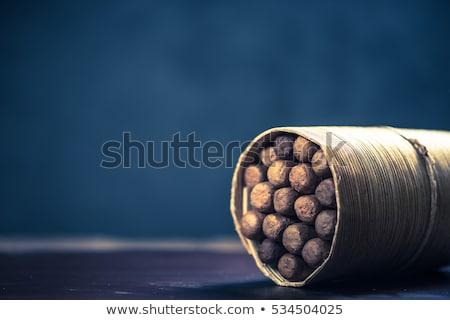 Kubai szivarok fa asztal luxus füst klasszikus Stock fotó © CaptureLight