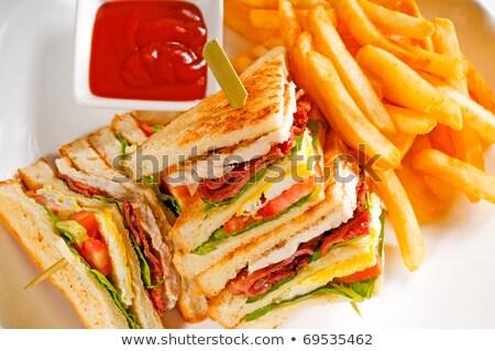 Сток-фото: трехслойный · бутерброд · свежие · картофель · фри · сторона · сыра · обеда