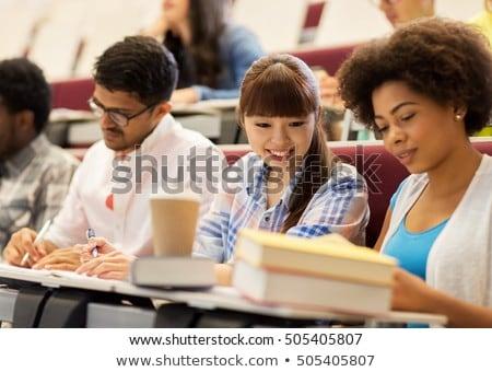 Grupo internacional estudantes falante palestra educação Foto stock © dolgachov