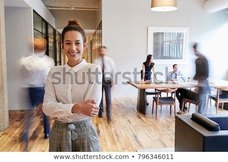 zakenvrouw · calculator · naar · camera · vergadering · bureau - stockfoto © is2