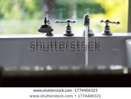 Vasca da bagno riempimento jacuzzi up acqua pulita tre Foto d'archivio © smuki