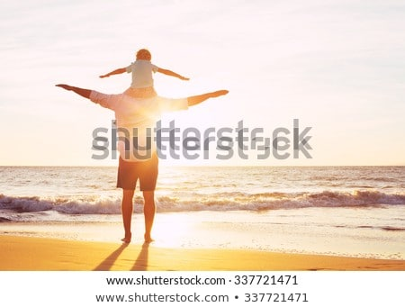 Mutlu baba oğul kalite aile zaman plaj Stok fotoğraf © galitskaya