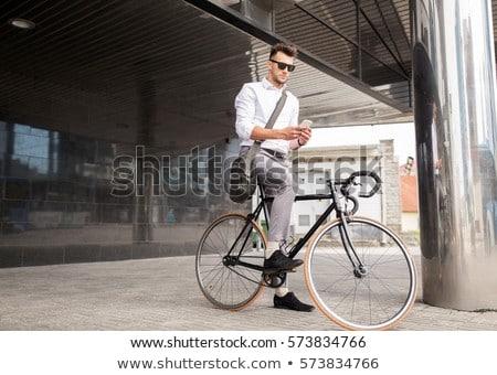 Hombre fijado artes moto calle Foto stock © dolgachov