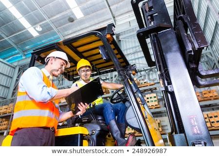 Stock fotó: ázsiai · lift · teherautó · sofőr · raktár · villa