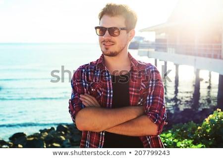Stock fotó: Jóképű · fiatalember · kockás · póló · kék · diák