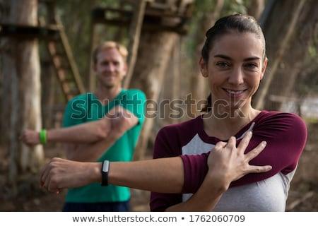 女性 行使 トレーナー 森林 自然 セキュリティ ストックフォト © wavebreak_media