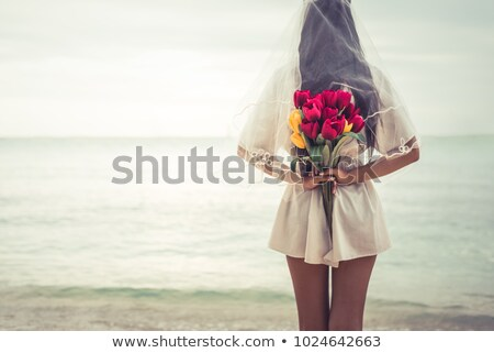 noiva · flor · menina · praia · jovem · suporte - foto stock © massonforstock