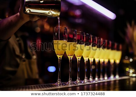 champagne · cocktails · rangée · rouge · cerises · vin - photo stock © spanishalex