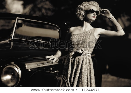 mooie · jonge · blond · meisje · zwarte · oldtimer - stockfoto © lithian