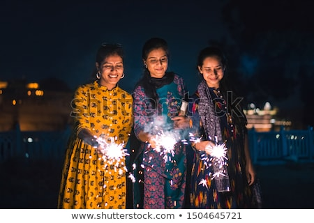 diwali · indian · familie · vieren · home · meisje - stockfoto © sarts