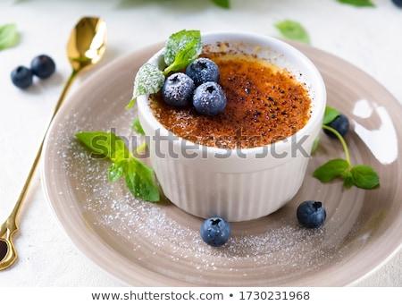 francês · sobremesa · creme · ovo · restaurante · alimentação - foto stock © yatsenko