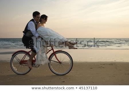 невеста жених вместе автобус женщину девушки Сток-фото © tekso