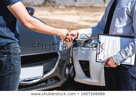 assicurazione · agente · cliente · stringe · la · mano · traffico · incidente - foto d'archivio © freedomz