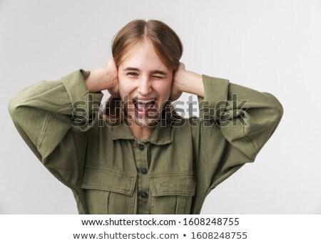 Fotó bosszús fiatal nő sikít fej izolált Stock fotó © deandrobot