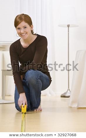 Nő térdel franciakulcs munka modell női Stock fotó © photography33
