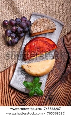 Sajt szőlő kézzel készített cserépedények tányér díszített Stock fotó © przemekklos
