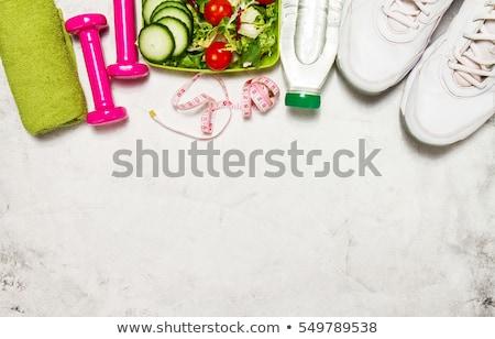 Fitness gezond leven hoofdtelefoon houten tafel Stockfoto © karandaev