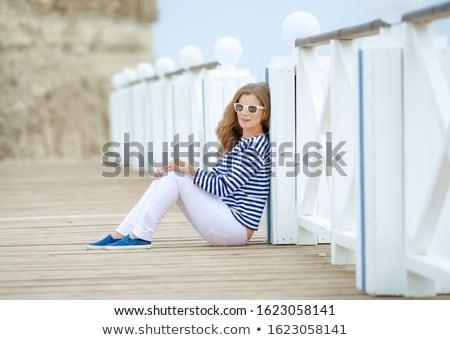 成人 · 白人 · 女性 · 座る · ビーチ · 青 - ストックフォト © ElenaBatkova
