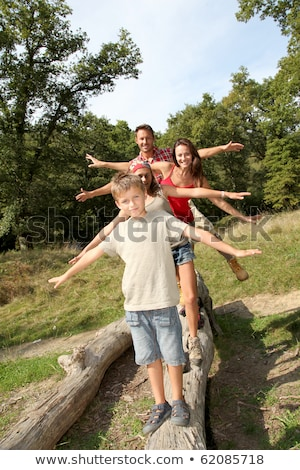 Familie vier leuk bos kind zomer Stockfoto © Lopolo