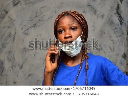 Fiatal nő készít telefonbeszélgetés copy space áll kéz Stock fotó © ra2studio