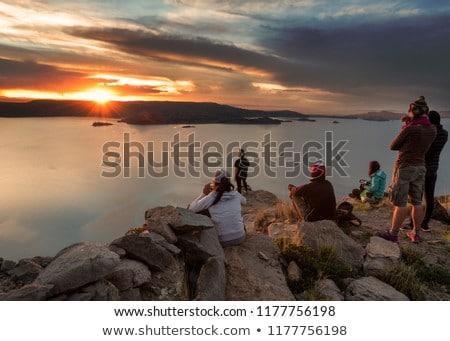 Grupo nascer do sol viajar turismo marcha montanha Foto stock © dolgachov