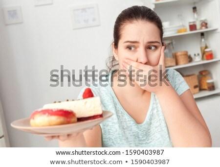 Retrato menina bolo cozinha casa Foto stock © wavebreak_media