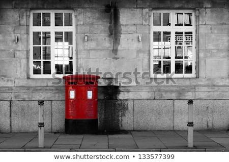 Preto vintage postar caixa vermelho parede Foto stock © dariazu