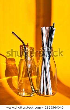 Acciaio bere vs usa e getta giallo pari a zero Foto d'archivio © galitskaya
