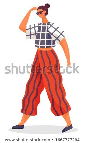 Vrouw lopen alleen zonnige weer seizoen- Stockfoto © robuart