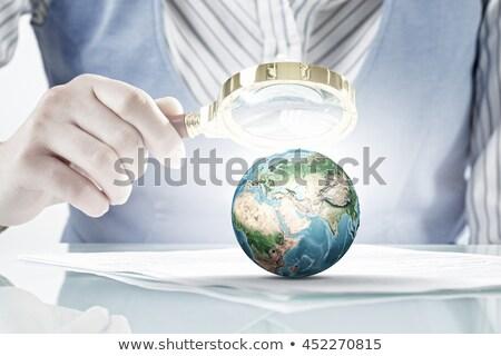 3d mensen vergrootglas aarde wereldbol witte business Stockfoto © Quka